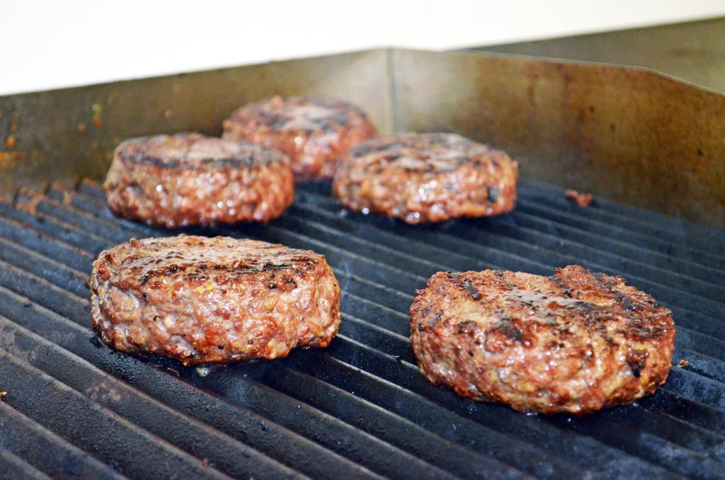 squisito restaurant, hamburgeria gourmet, torino, san francesco al campo, carne irlandese, hamburger, crea il tuo burger, hamburger caselle torinese, ciriè, hamburgeria ciriè, carne irlandese, hamburger irlandese